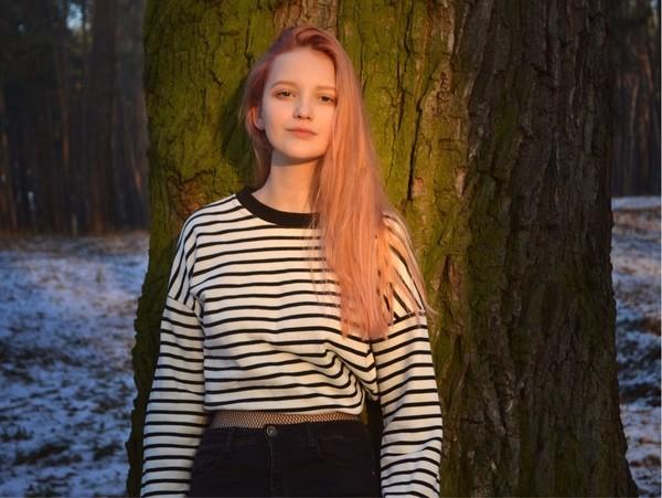 Sắc vóc xinh đẹp như búp bê của hotgirl Ukraine ảnh 1