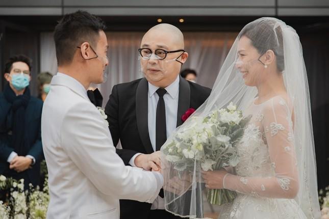 Hôn lễ đặc biệt của á hậu Hồng Kông thời COVID-19 ảnh 3