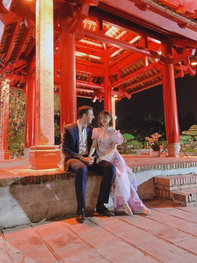 Thiều Bảo Trâm bên gia đình đón Tết, Minh Vương có giao thừa đặc biệt trong khu cách ly ảnh 2
