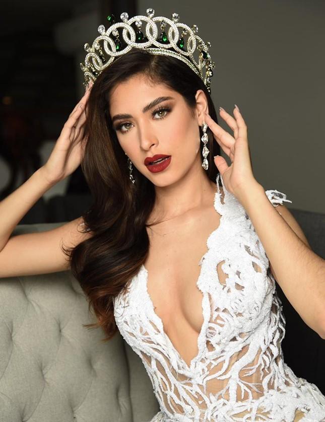 Miss Grand Mexico mặc áo tắm, catwalk bên tượng Phật bị chỉ trích ảnh 1