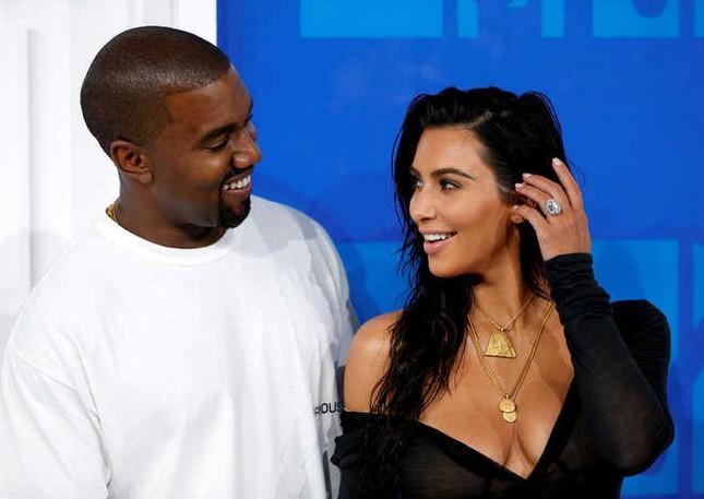 Thực hư Kim Kardashian có tình mới, giành quyền nuôi con với Kanye West ảnh 1