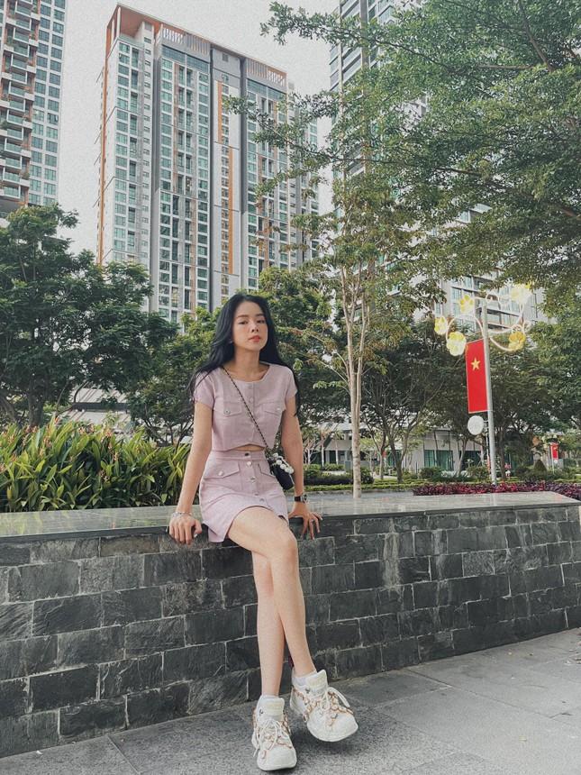 Hiền Thục trẻ trung như gái đôi mươi, Khánh Linh gây sốt với mái tóc 'Tiểu Yến Tử' ảnh 7