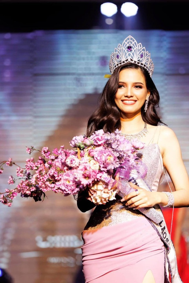 Hoa hậu Lào đẹp nhất lịch sử bất ngờ quay lại đường đua Hoa hậu Hoàn vũ ảnh 1