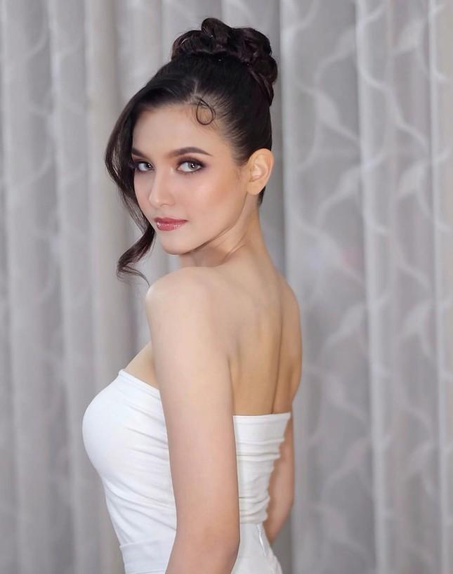Hoa hậu Lào đẹp nhất lịch sử bất ngờ quay lại đường đua Hoa hậu Hoàn vũ ảnh 2