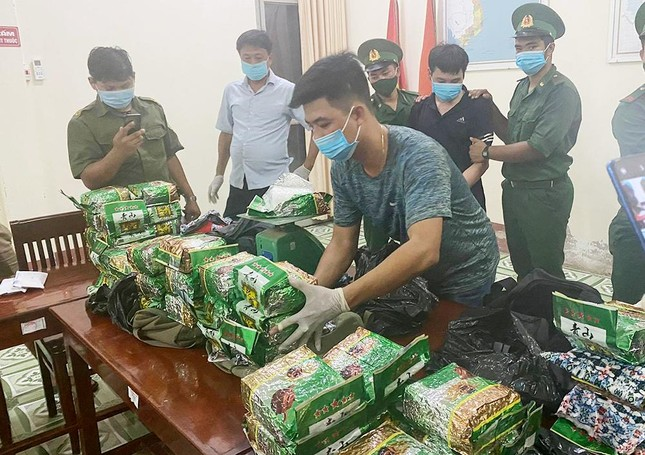 Vận chuyển gần 40kg ma túy qua biên giới, 2 nam thanh niên nhận án tử ảnh 2
