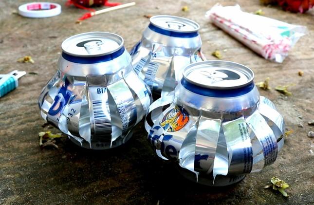 Lồng đèn vỏ lon, bánh trung thu handmade tặng trẻ em vùng sâu ảnh 3