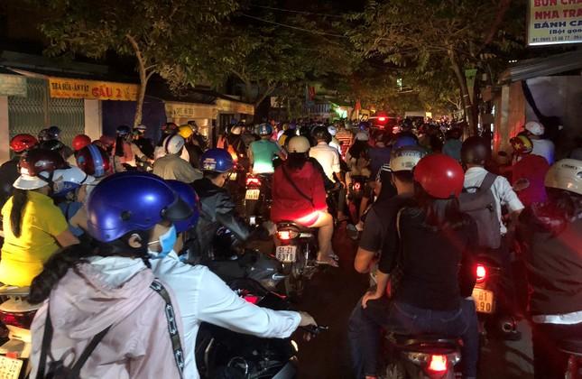 Hàng chục ngàn người đổ về Bến Tre tham quan lễ hội dừa ảnh 12