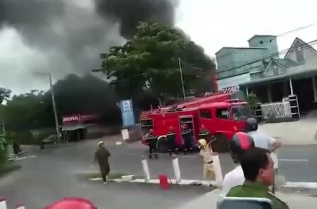 Cháy cây xăng, 2 người bỏng nặng, 1 người chết tại chỗ ảnh 1