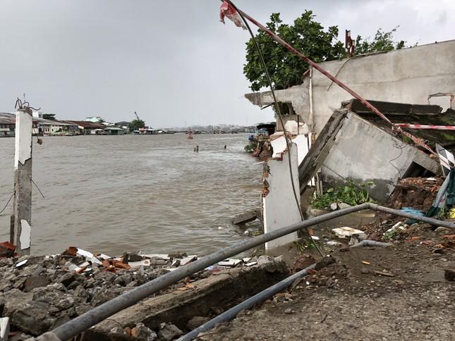 Sông Cần Thơ không ngừng sạt lở, dân bỏ nhà tìm chỗ ở đậu ảnh 4