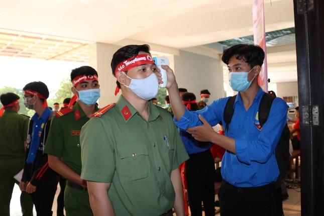 Hơn 100 cán bộ, chiến sĩ Công an tỉnh An Giang tham gia Chủ nhật Đỏ ảnh 5