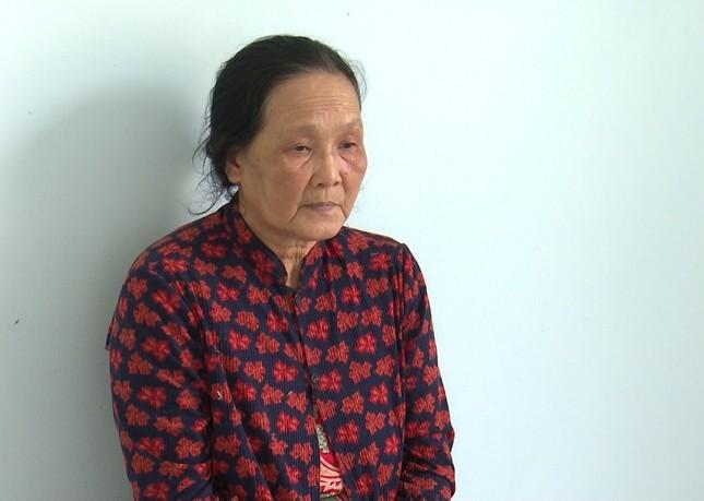 Người đàn bà U70 giật dây chuyền bé 2 tuổi ảnh 1