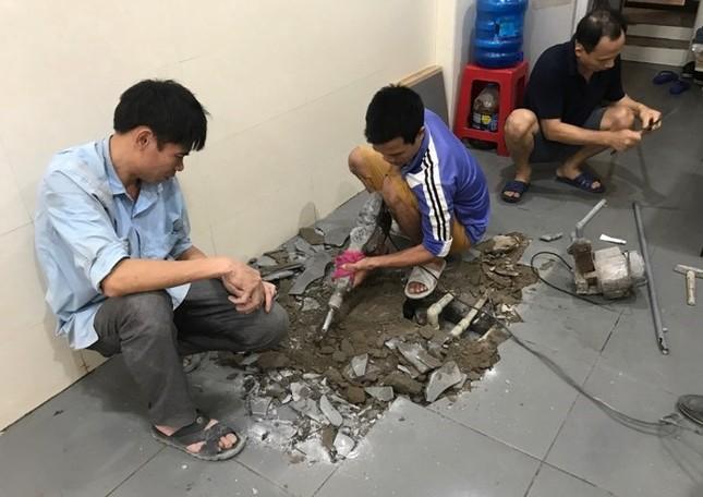 Dân Thủ đô chật vật, tốn tiền triệu thau bể sau sự cố nước sông Đà nhiễm dầu ảnh 1