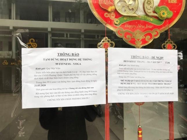 Cận cảnh phòng gym, hàng tóc 'cửa đóng' sau lệnh cấm của Chủ tịch Hà Nội ảnh 3