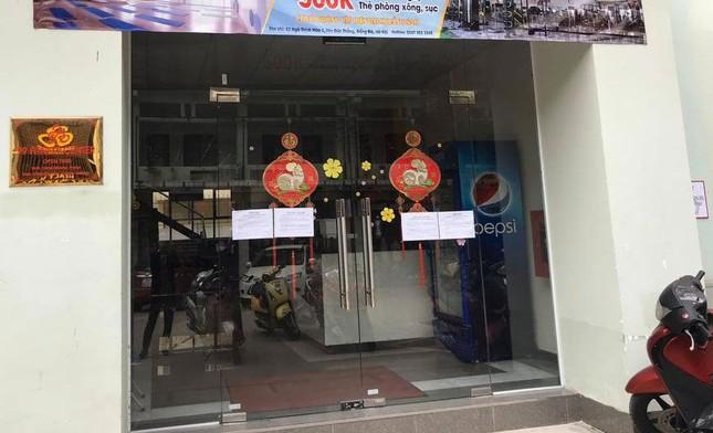 Cận cảnh phòng gym, hàng tóc 'cửa đóng' sau lệnh cấm của Chủ tịch Hà Nội ảnh 1