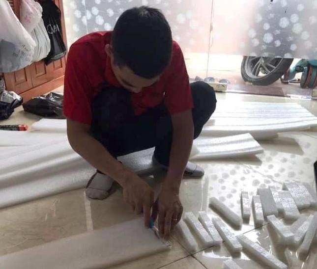 Cung Thiếu nhi Hà Nội làm 4.000 tấm chắn giọt bắn tặng y, bác sỹ phòng COVID-19 ảnh 2