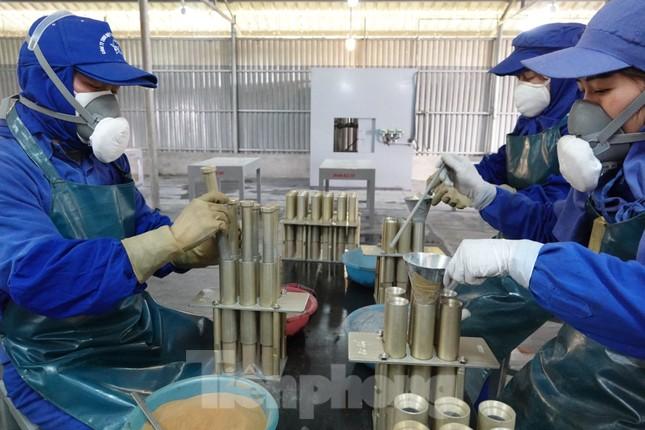 Khám phá nhà máy sản xuất pháo hoa duy nhất được cấp phép tại Việt Nam ảnh 6