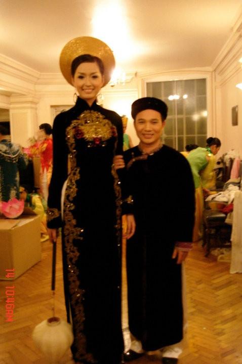 Những bức ảnh 'dìm hàng' chiều cao thú vị của mỹ nhân Việt ảnh 1