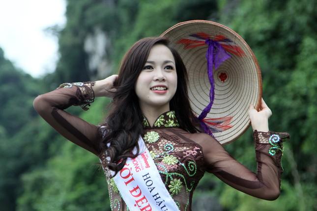 Người đẹp Áo dài Ngọc Anh tại Tràng An