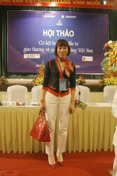 Doanh nhân Nguyễn Thị Hà, Việt kiều Đức, Phó Chủ tịch Hội doanh nghiệp Việt Nam tại Cộng hòa Liên bang Đức