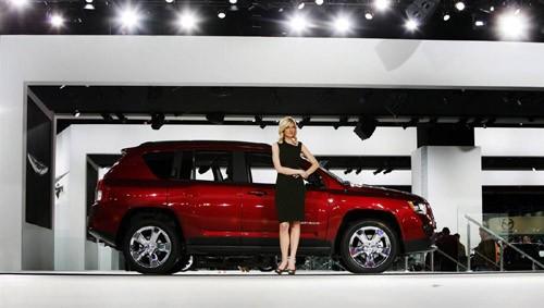 Vén màn Jeep Compass thế hệ 2011, thương hiệu Jeep thuộc Chrysler kỷ niệm 70 năm thành lập trong năm nay