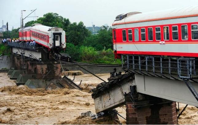 Những thảm họa năm 2010 qua ảnh - tiếp ảnh 8