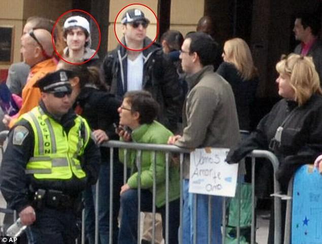 Hai nghi phạm, cũng là hai anh em ruột trong vụ đánh bom giải Marathon Boston