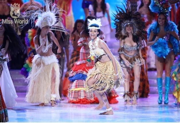 Các thí sinh trong trang phục dân tộc khai mạc Miss World 2010 ảnh 6