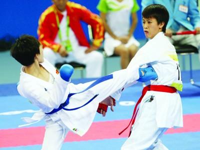 Trận đấu giữa Nguyệt Ánh và Li Hong. Ảnh: Tuân Bạc