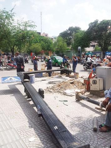 Tốn cả nghìn tỷ đồng đầu tư xây dựng..., nhưng người dân vẫn bất an với nhiều công trình công cộng. Ảnh: Quang Minh