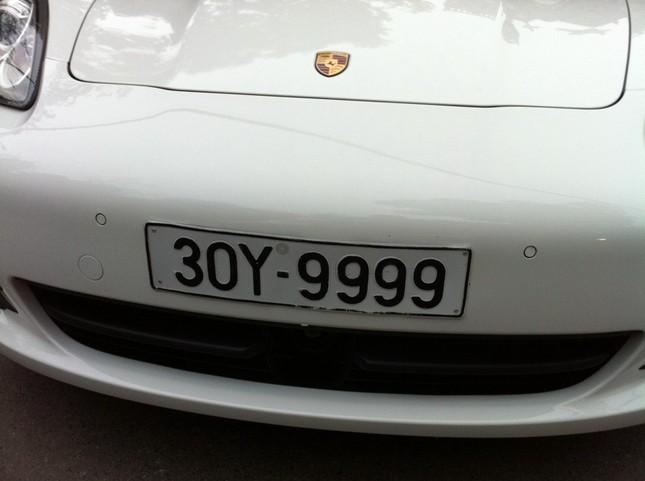 Siêu xe sử dụng biển trùng số