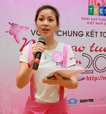 Nguyễn Lâm Diễm Trang xúc động và ấn tượng lần đến thăm và làm MC tại làng trẻ