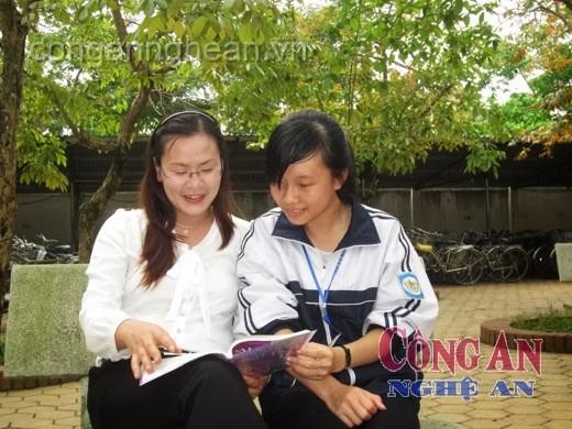 Ngọc Lê và cô giáo chủ nhiệm