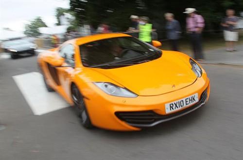 Những mẫu xe mới ra mắt trên tuyến đường dài 5 dặm của triển lãm Goodwood tại Anh