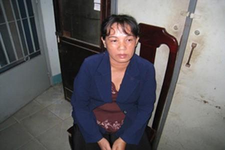 Bà Trần Thị Phụng vừa bị CQ CSĐT - Công an huyện Thuận An ra quyết định khởi tố (Ảnh: N.D)