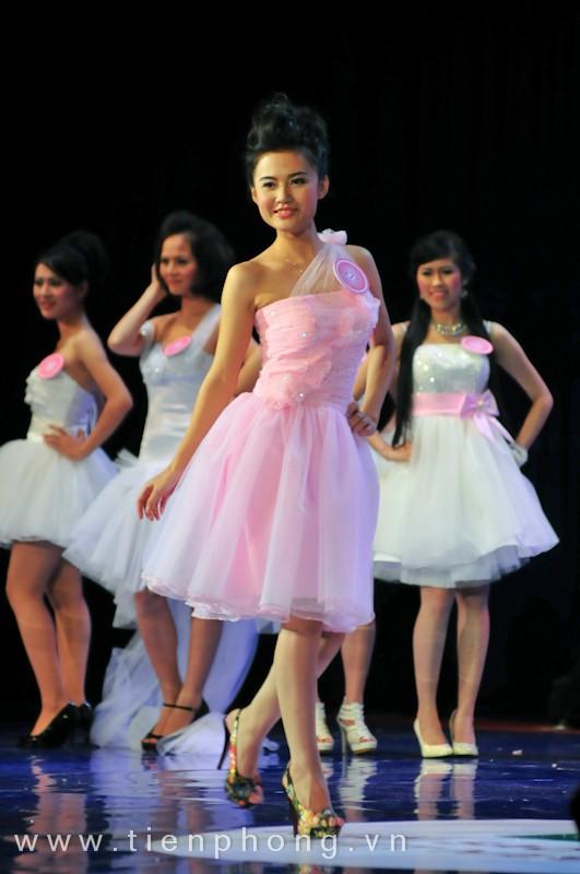 Các Miss teen trong trang phục dạ hội ảnh 7