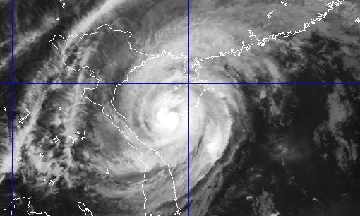 Hình ảnh bão Haiyan trên ảnh mây vệ tinh vào 17h chiều nay (10/11)