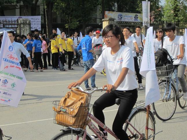 Chương trình còn tổ chức đi xe đạp cổ động cho ngày hội