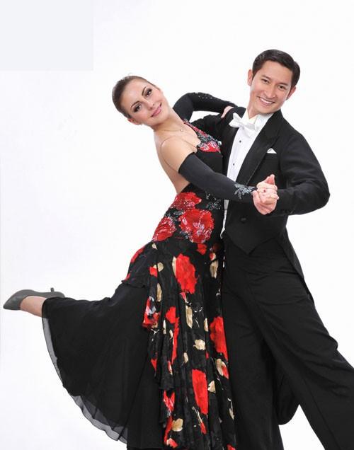 Sao Bước nhảy Hoàn vũ 2011 khoe dáng đẹp ảnh 3