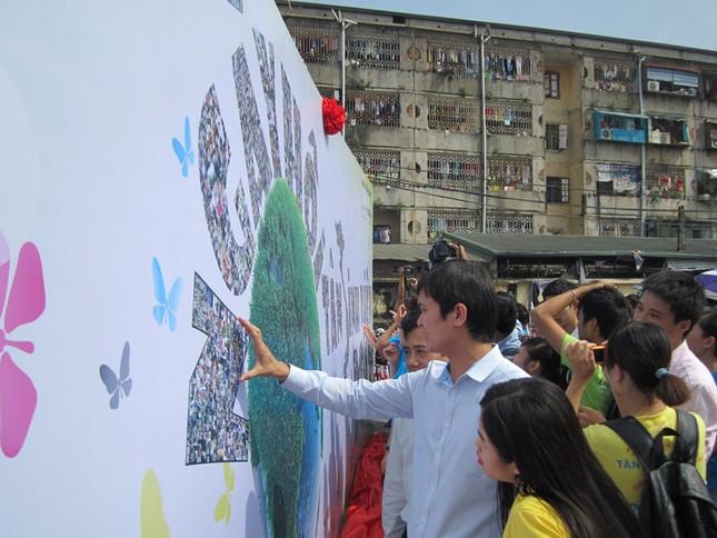 Bức tranh thu hút các bạn trẻ đến tham dự chương trình