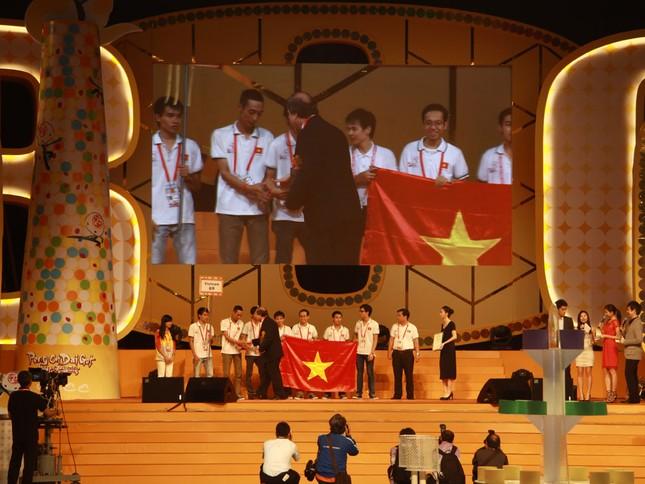 Đại diện Việt Nam đứng thứ hai tại