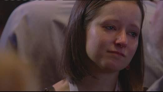 Cô gái bật khóc vì ông Romney thua cuộc