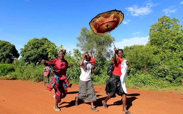 Người dân ở Kenya hát và nhảy múa mừng ông Obama
