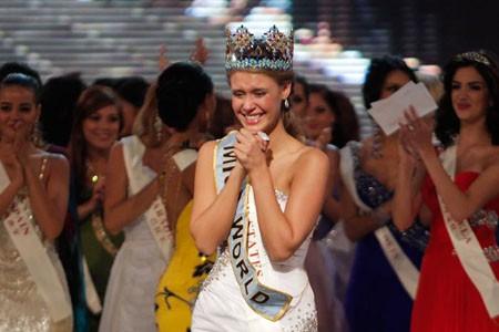 Giây phút đăng quang của Tân hoa hậu Thế giới ảnh 5