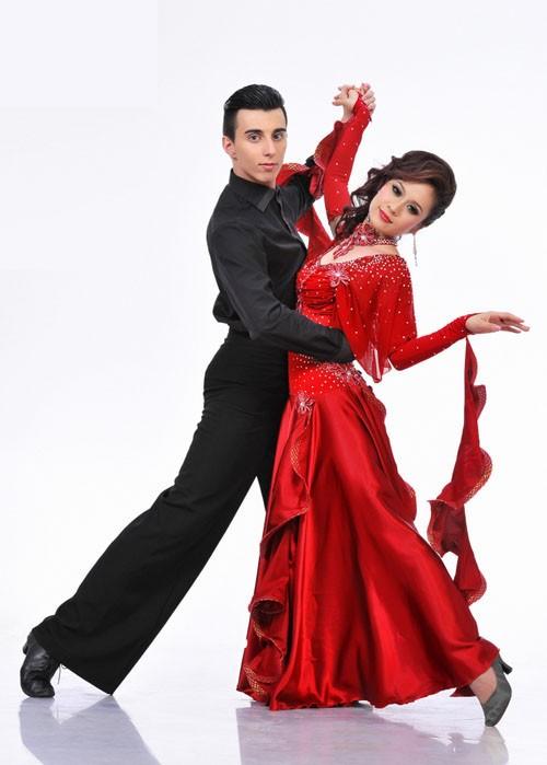 Sao Bước nhảy Hoàn vũ 2011 khoe dáng đẹp ảnh 11