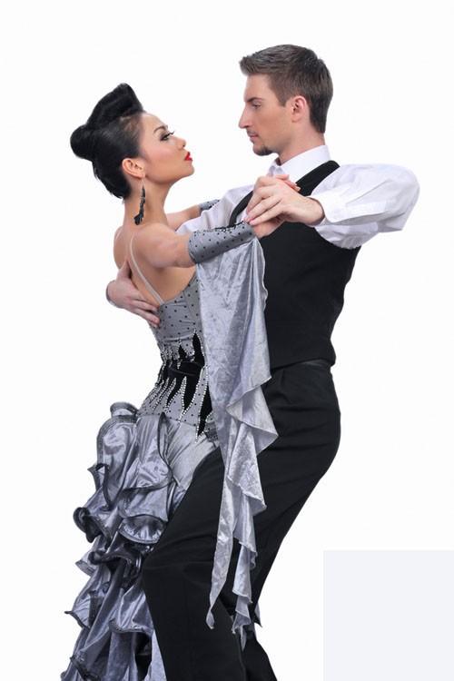 Sao Bước nhảy Hoàn vũ 2011 khoe dáng đẹp ảnh 12