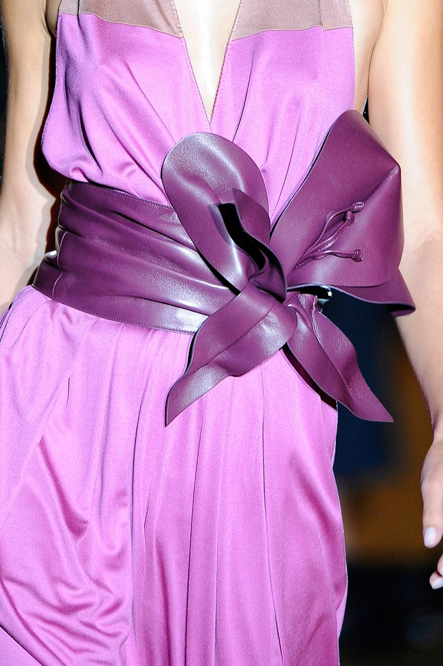 Rực rỡ sắc màu với BST xuân/hè 2011 của Marc Jacobs ảnh 12