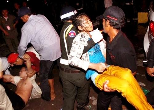 Gần 400 người bị giẫm đạp tới chết ảnh 13