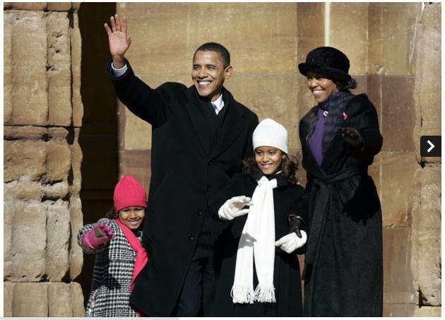 Ngày 10 tháng 2 năm 2007: Thượng nghị sĩ Obama cùng vợ con xuất hiện trước công chúng sau khi tuyên bố sẽ tham gia ứng cử tổng thống vào năm 2008
