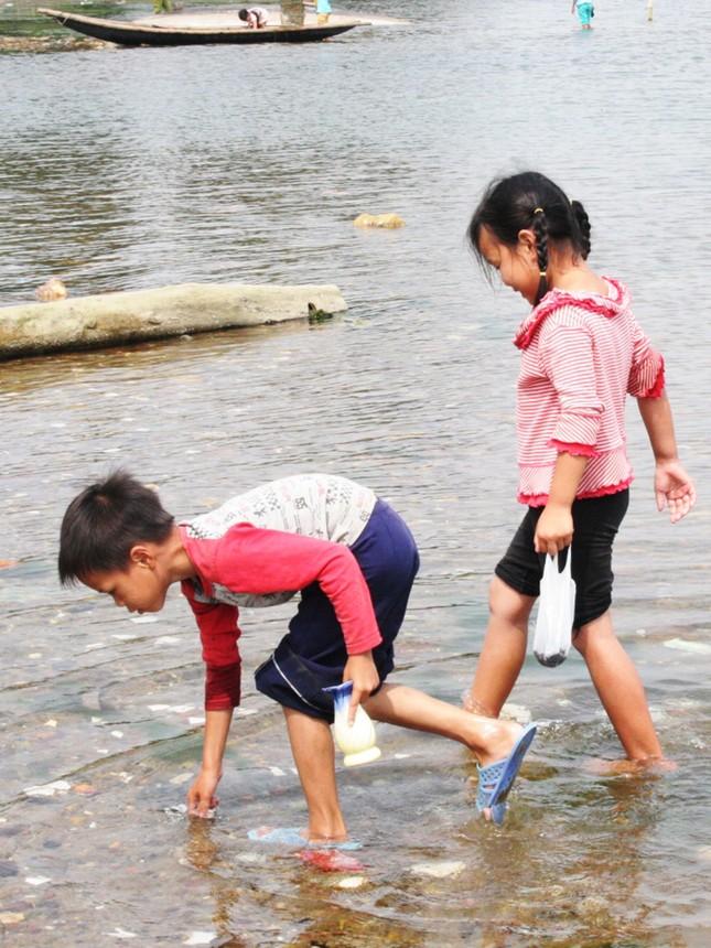 Tuổi thơ chòng chành theo con nước ảnh 4
