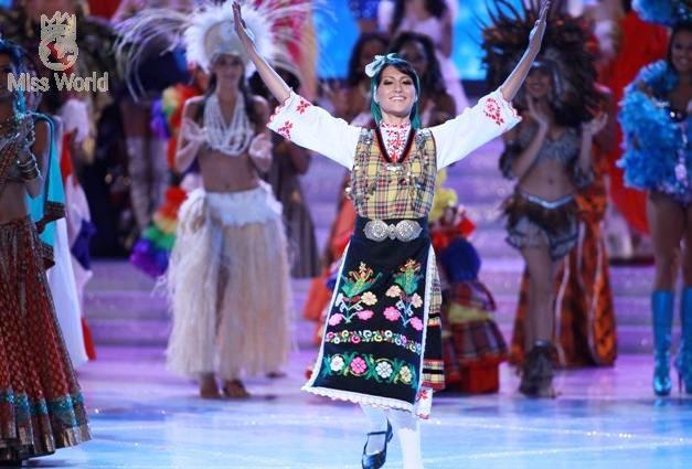 Các thí sinh trong trang phục dân tộc khai mạc Miss World 2010 ảnh 5